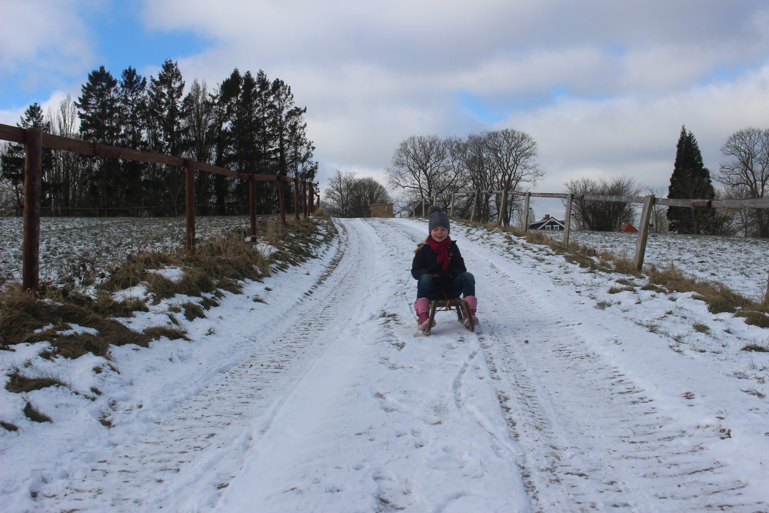 Gut Friederikenhof - genügend Hügel zum Schlittenfahren